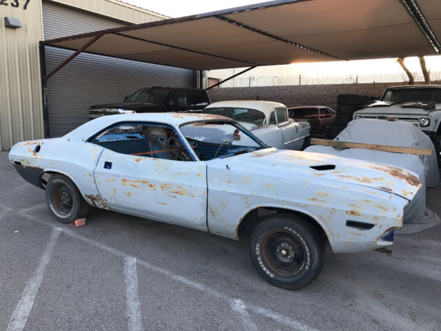 1970 dodge challanger project car solid body clean title b5 blue classic dodge challenger 1970. Black Bedroom Furniture Sets. Home Design Ideas