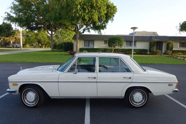 1970 mercedes benz 220d diesel classic mercedes benz for Mercedes benz vintage cars