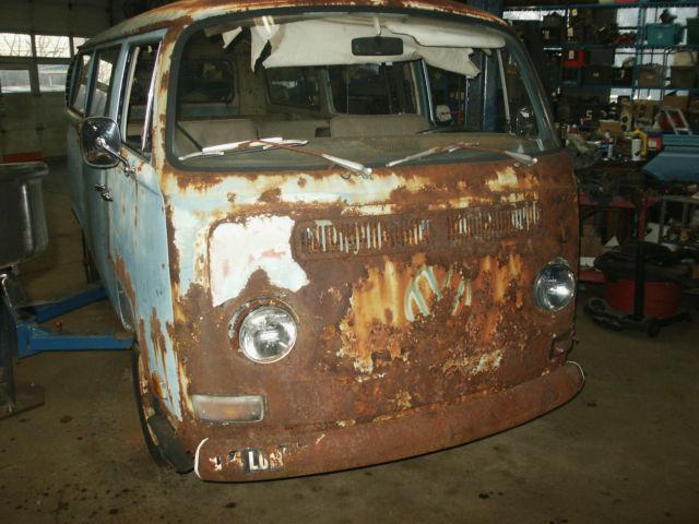1970 vw bus restoration project volkswagen bus micro bus hippie van classic volkswagen bus. Black Bedroom Furniture Sets. Home Design Ideas