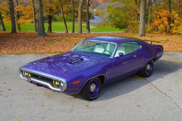 1971 Plymouth Roadrunner 440 6 4 Spd 1 Of 137 6bbl Six