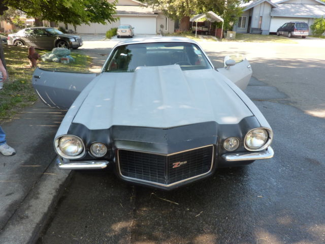 1972 Camaro 454 with T5 speed ,Rust free/ project car/+ goodies