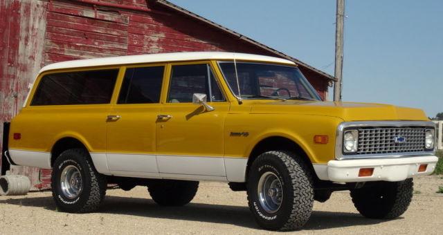 1972 Chevrolet 3 door Suburban 4x4  RARE, Fully A/C equipped