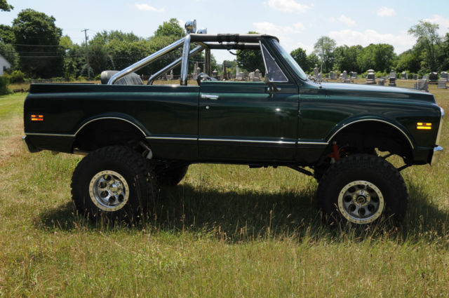 Chevy Blazer K With Heavy Duty Chrome Roll Bar Beautiful Green Color