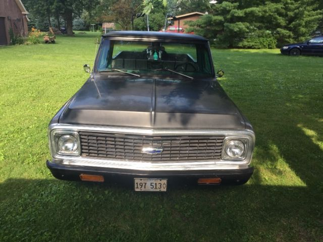 1972 Chevy C 10 long bed pick up truck With custom Harley Davidson - Classic Chevrolet C-10 1972