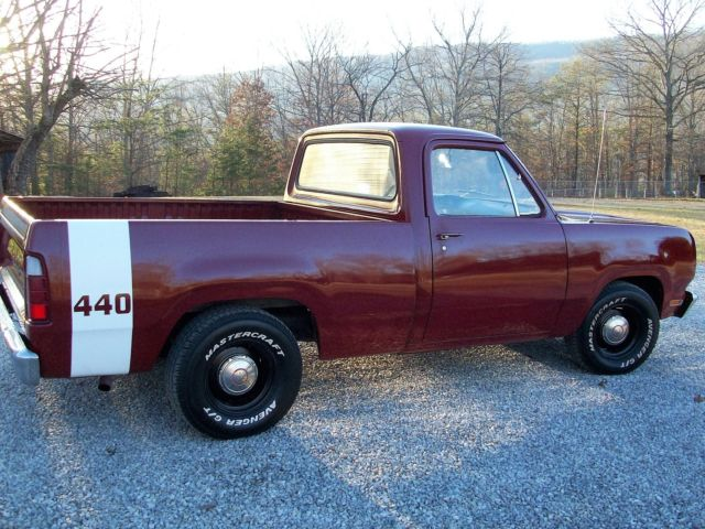 1972 dodge d100 short bed pick up 440 at drive home this cool muscle truck   classic dodge