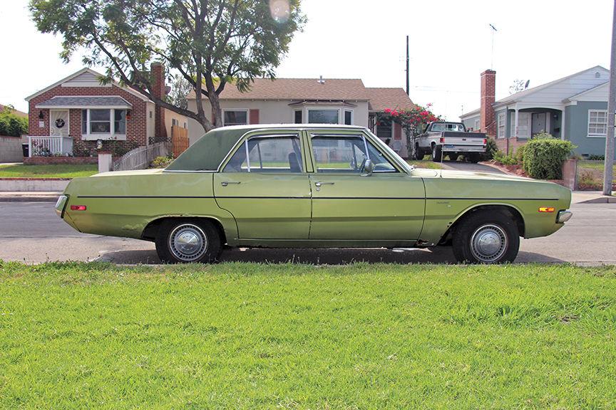 1972 Dodge Dart Custom Sedan 4-Door 5.2L 318 V8 - Avocado Green - Classic Dodge Dart 1972 for sale