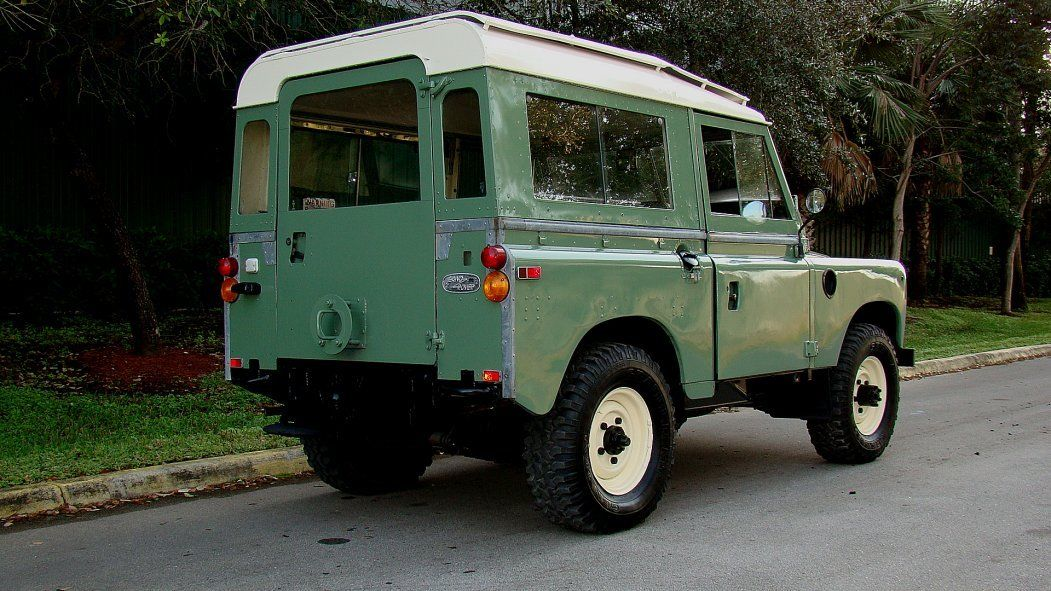 1973 Land Rover Series Iii Defender Style Sport Utility