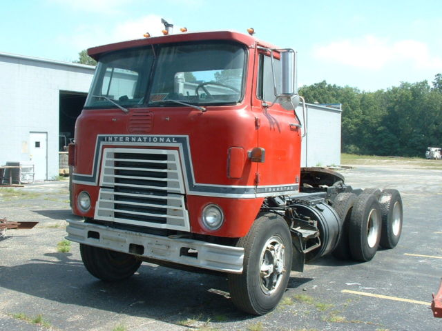 Antique International Cabover : Coe highway tractor classic international