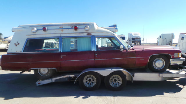 1974 CADILLAC AMBULANCE MILLER METEOR HIGHTOP, TEXAS UNIT, VERY