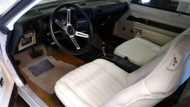 1974 cutlass oldsmobile with rare california hurst 350 package classic oldsmobile cutlass 1974. Black Bedroom Furniture Sets. Home Design Ideas