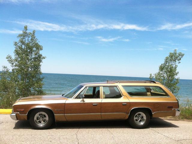 dodge   classic plymouth fury sport suburban wagon 1974 for sale