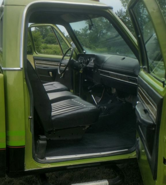 1975 Dodge Power Wagon W200 Classic Dodge Power Wagon