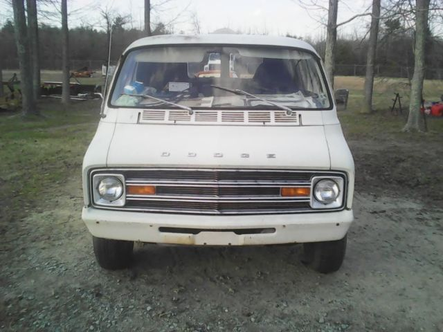 1975 dodge tradesman van shorty rare awesome original. Black Bedroom Furniture Sets. Home Design Ideas