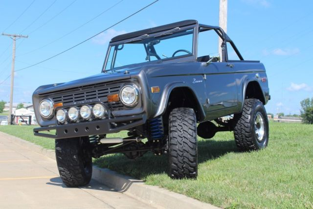 1975 ford bronco 4x4 resto mod spring 2016 lmc catalog feature cover truck classic ford. Black Bedroom Furniture Sets. Home Design Ideas