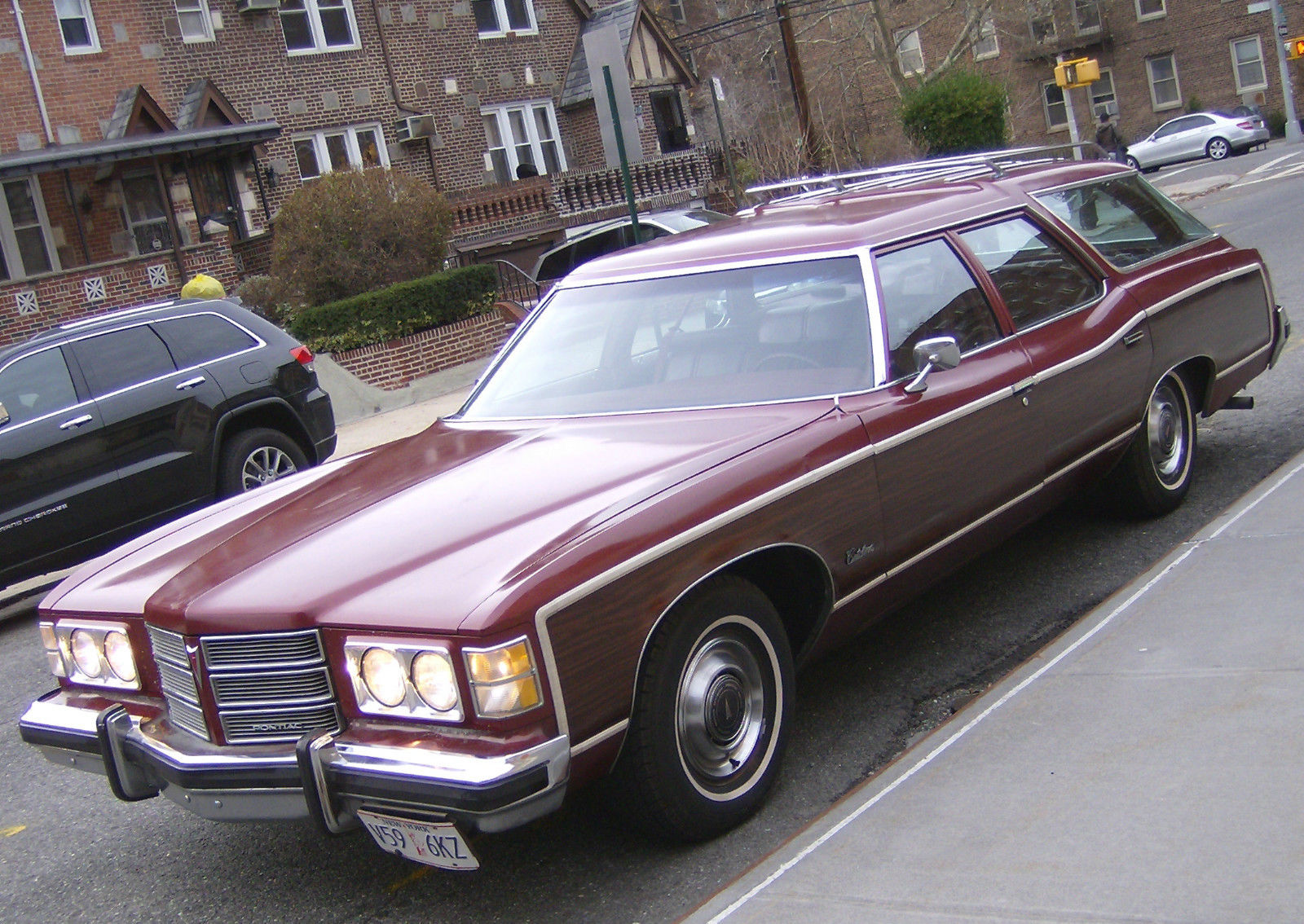 1975 Pontiac Catalina SAFARI THREE SEAT CLAMSHELL WAGON ... |1975 Catalina Station Wagon Buick