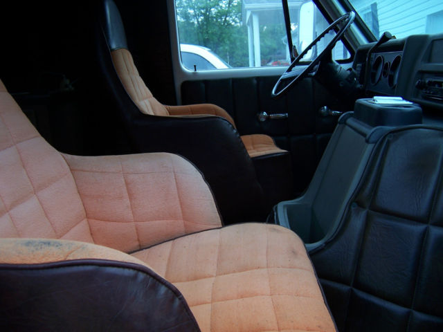 1976 chevy van short wheel base custom paint job custom interior classic chevrolet g20 van. Black Bedroom Furniture Sets. Home Design Ideas