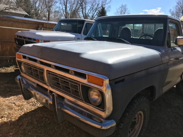 1976 ford f 100 4x4 it has a 360 and 4 speed trans comes with extra motor classic ford f 100. Black Bedroom Furniture Sets. Home Design Ideas