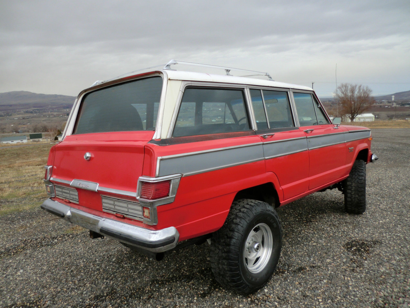 1976 jeep wagoneer 401 v8 a c ps rot free clean classic amc grand classic jeep wagoneer 1976. Black Bedroom Furniture Sets. Home Design Ideas