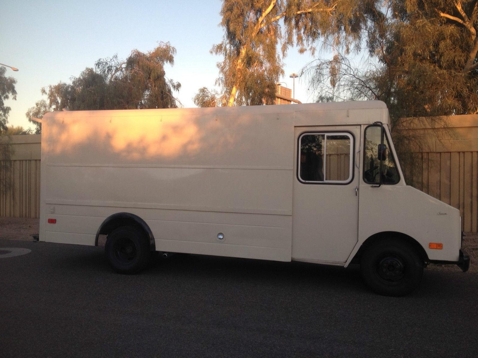 1977 Chevrolet P30 Step-Van Standard Cargo Van SB350