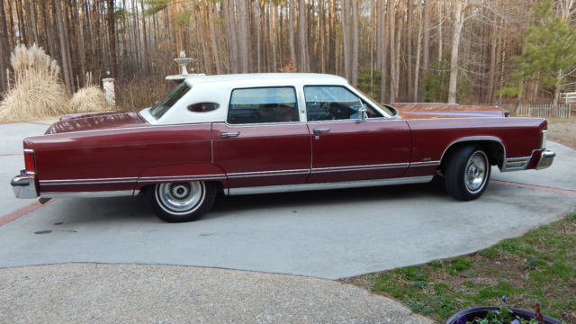 1977 Lincoln Continental Town car, beautiful classic car in