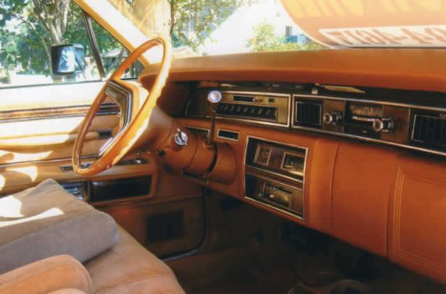 1977 lincoln contnental town car gold pristine condition classic lincoln continental 1977 for sale. Black Bedroom Furniture Sets. Home Design Ideas