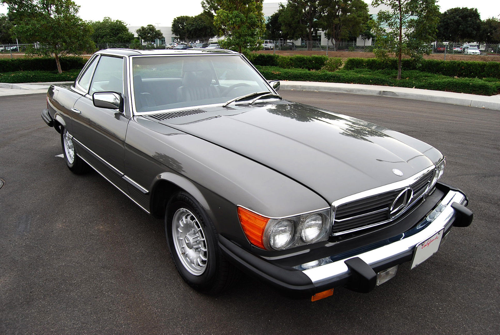 1977 mercedes benz 450 sl w 107 w107 sl roadster for Mercedes benz house of imports service