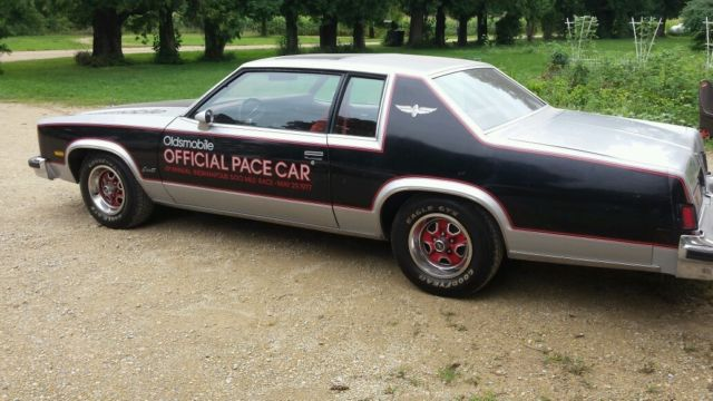 Olds Delta  Royale Indy Pace Car