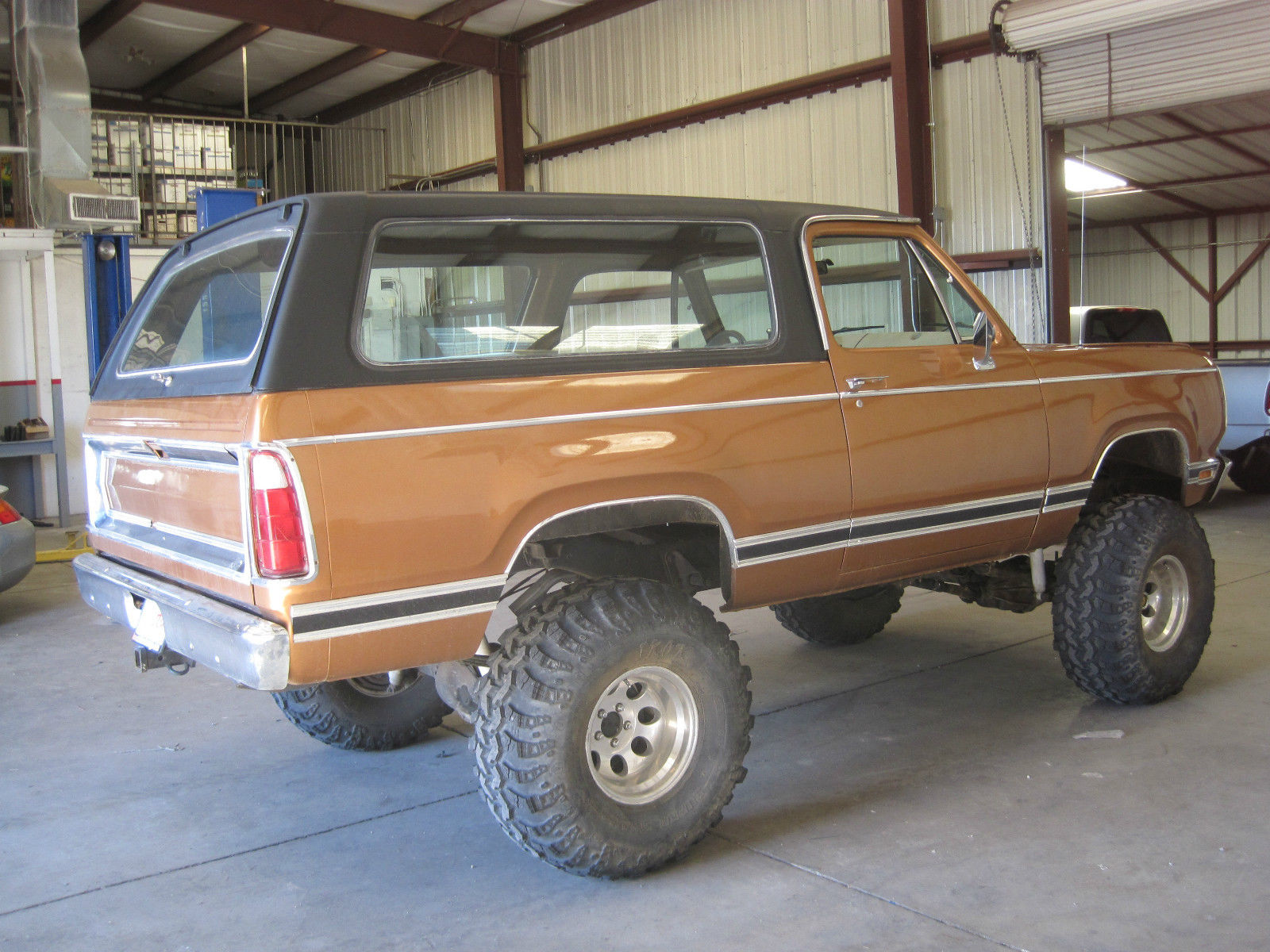 1977 Plymouth Trailduster Dodge Ramcharger Lifted 4wd