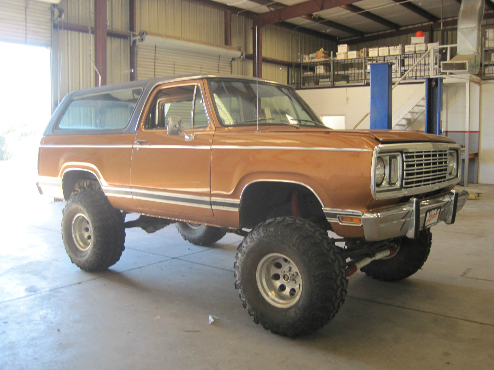 1977 Ramcharger Pictures To Pin On Pinterest Pinsdaddy