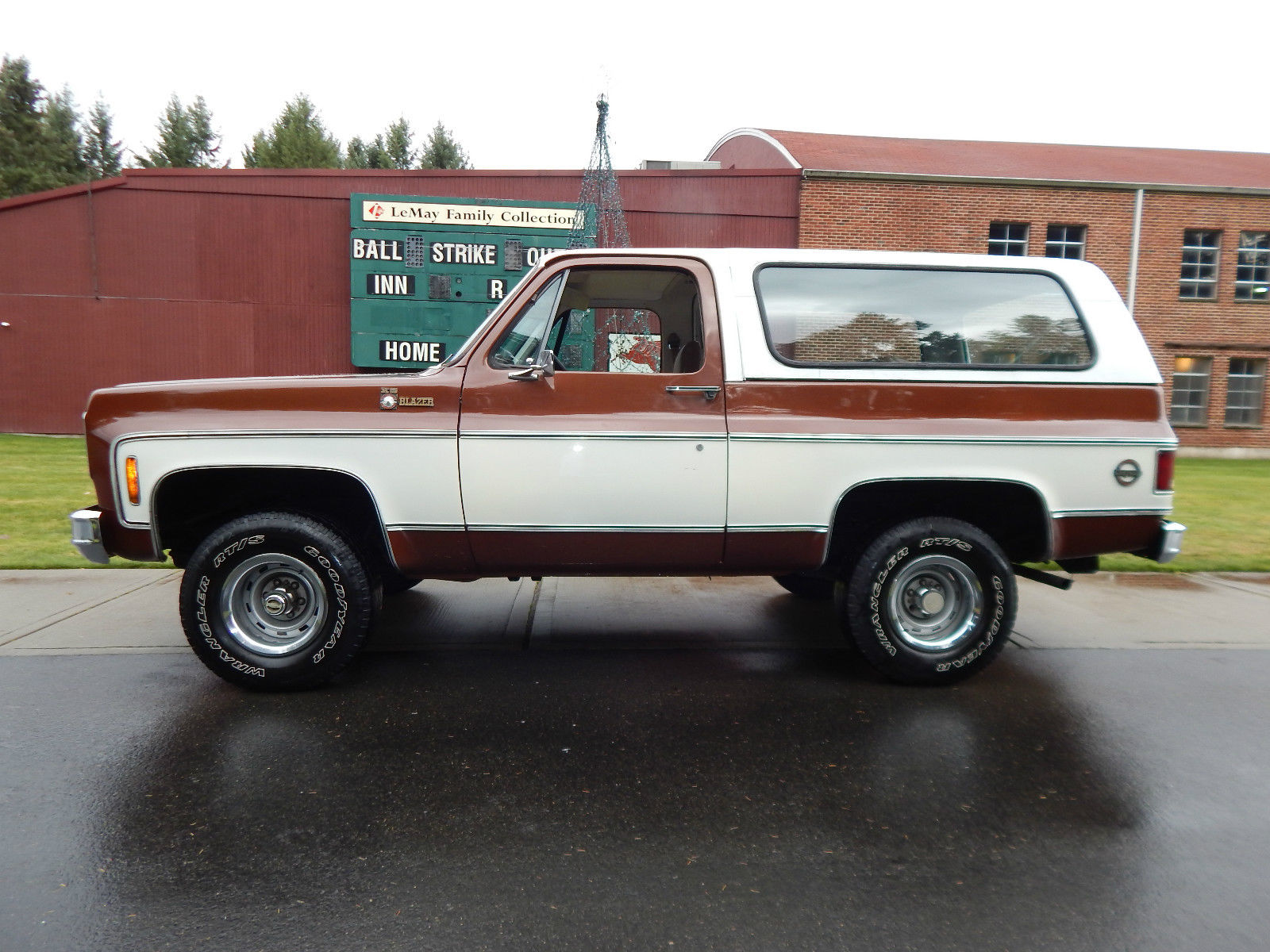 5852 1978 Chevrolet Blazer K5 4x4 350 Low Miles 79k 1 Owner No Reserve Sell Worldwide besides 1974 Chevy K5 Blazer as well 30150 1966 Chevrolet Suburban 4x4 California Truck 2 Owner Well Maintained additionally Watch furthermore Showthread. on 1972 chevrolet 4x4
