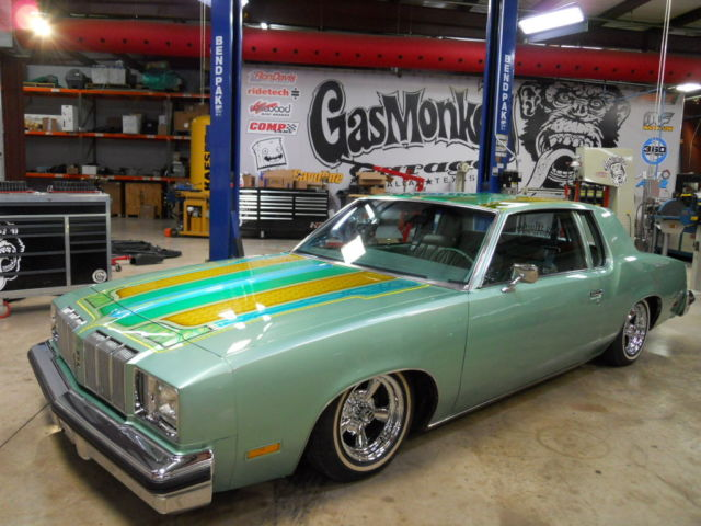 1978 cutlass supreme custom low rider built by gas monkey garage on fast n 39 loud classic. Black Bedroom Furniture Sets. Home Design Ideas