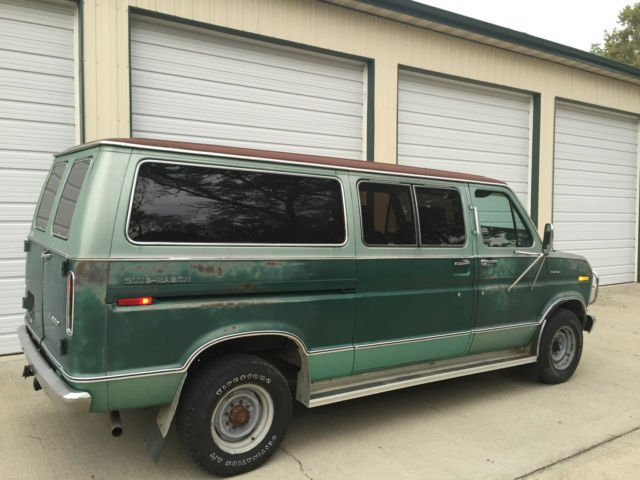 1978 Ford Chateau Club Wagon Van - RARE Trailer Special