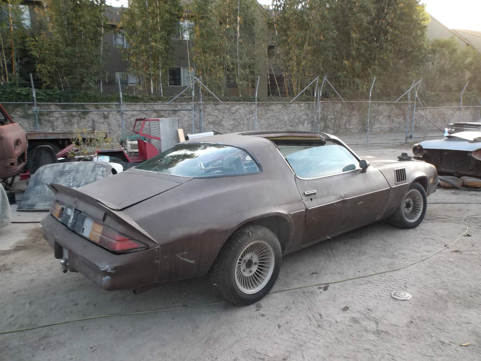 7522 1979 Camaro Z28 T Top 350 V 8 Automatic California Car Barn Find Project furthermore 7522 1979 Camaro Z28 T Top 350 V 8 Automatic California Car Barn Find Project further 7522 1979 Camaro Z28 T Top 350 V 8 Automatic California Car Barn Find Project together with  on vehicle door oing