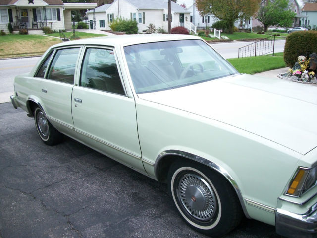 1979 Chevrolet Malibu Classic Sport Sedan 4-Door 4.4L ...