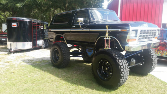 Custom Lifted Black Ford Bronco on Ford 302 Engine Questions
