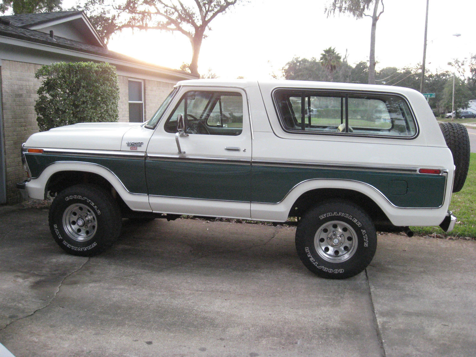 1979 ford bronco ranger xlt classic ford bronco 1979 for sale. Black Bedroom Furniture Sets. Home Design Ideas