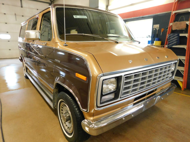 1979 Ford E150 Club Wagon Chateau T1260025 - Classic Ford E