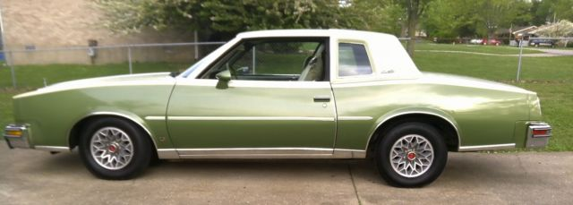 Pontiac Grand Prix Lj Coupe Door L Rare Color Combo on Pontiac Grand Prix Seats