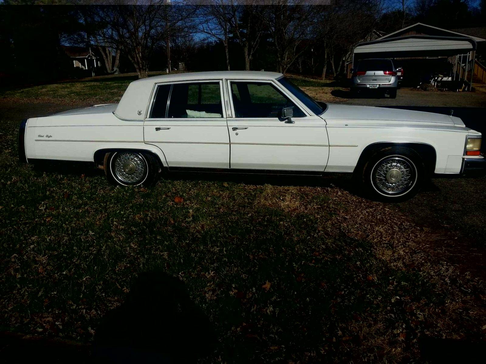 Cadillac Fleetwood Brougham D Elegance Sedan Door L