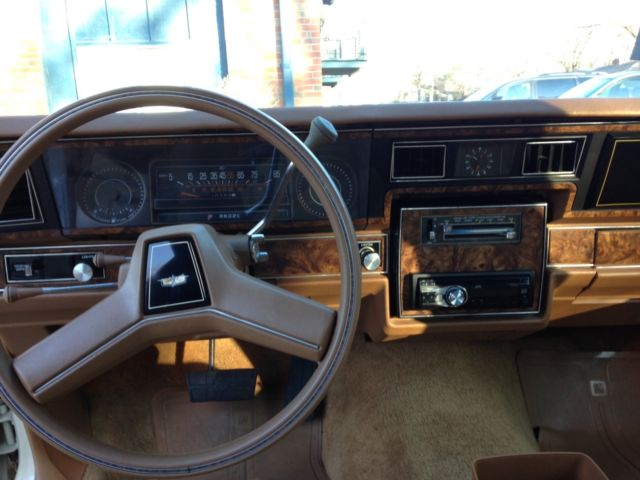 1980 Chevrolet Caprice Classic, low mileage - Classic