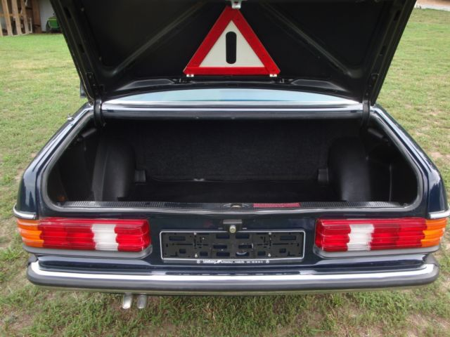1980 mercedes 250 limousine not 600 pullman classic for Mercedes benz classic center germany
