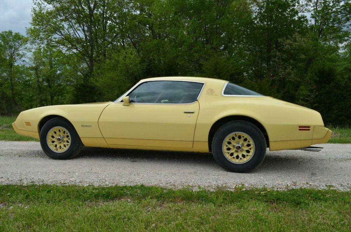 1980 Pontiac Firebird Yellow Bird Classic Pontiac
