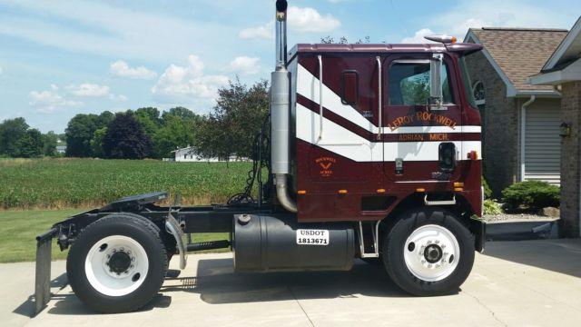 Antique International Harvester Semi Tractor : International harvester ih cabover semi truck