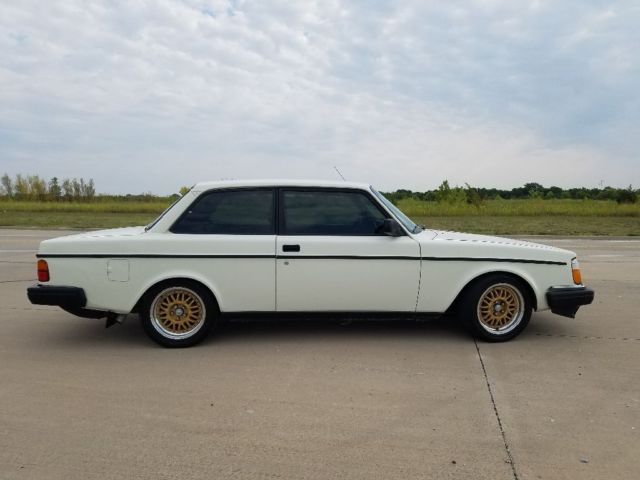 1981 Volvo 242 DL - with Ford 302 V8 swap - Classic Volvo 240 1981
