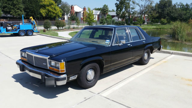 1982 Ford Crown Victoria Ltd Police Interceptor Classic