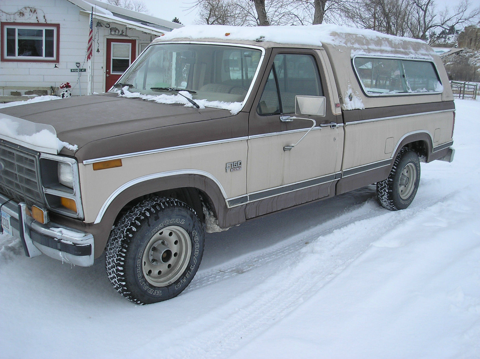 1982 ford f150 xlt lariat pickup truck 2 wheel drive 32000 miles classic ford f 150 1982 for sale. Black Bedroom Furniture Sets. Home Design Ideas