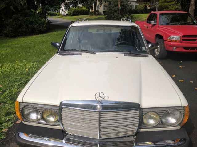 1982 white mercedes benz 300 td wagon turbo diesel 300 for Mercedes benz 300 diesel