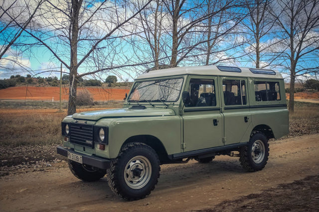1983 land rover santana 109 defender 110 new rebuilt v8. Black Bedroom Furniture Sets. Home Design Ideas