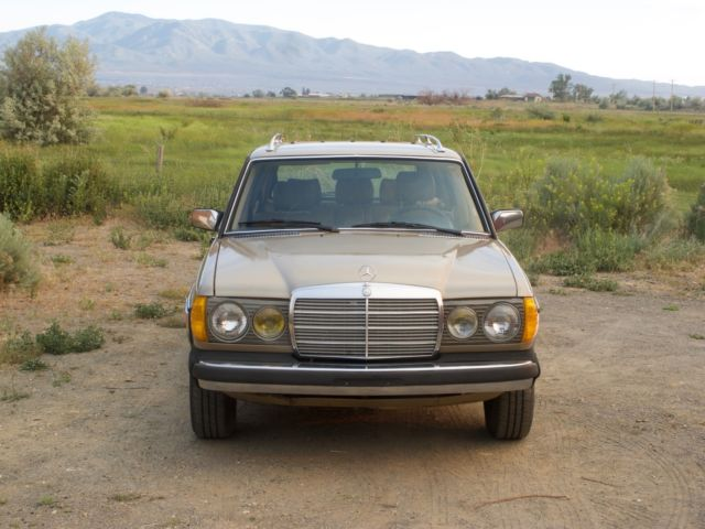 1983 mercedes benz 300td turbo diesel wagon classic for Mercedes benz 300 diesel