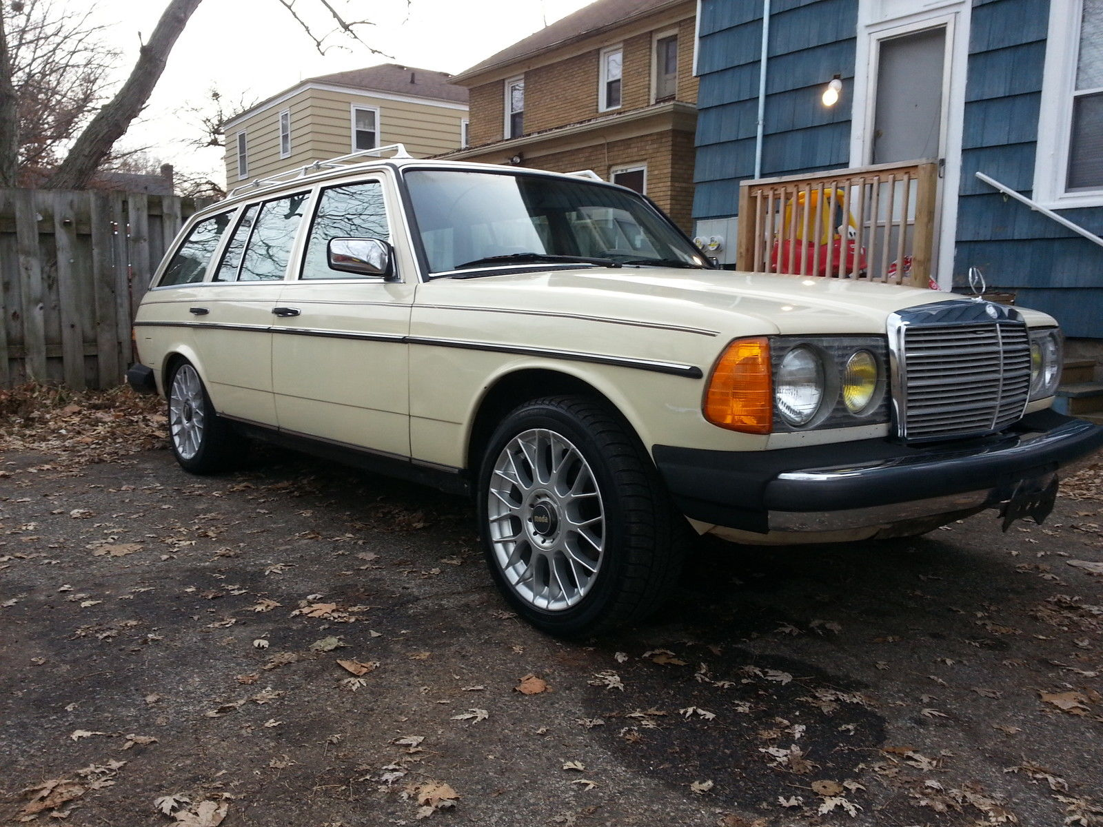 1983 mercedes benz w123 300td turbo diesel wagon